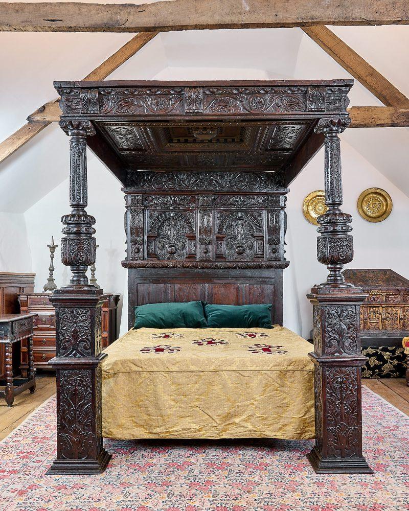 Elizabeth I oak carved tester bedstead
