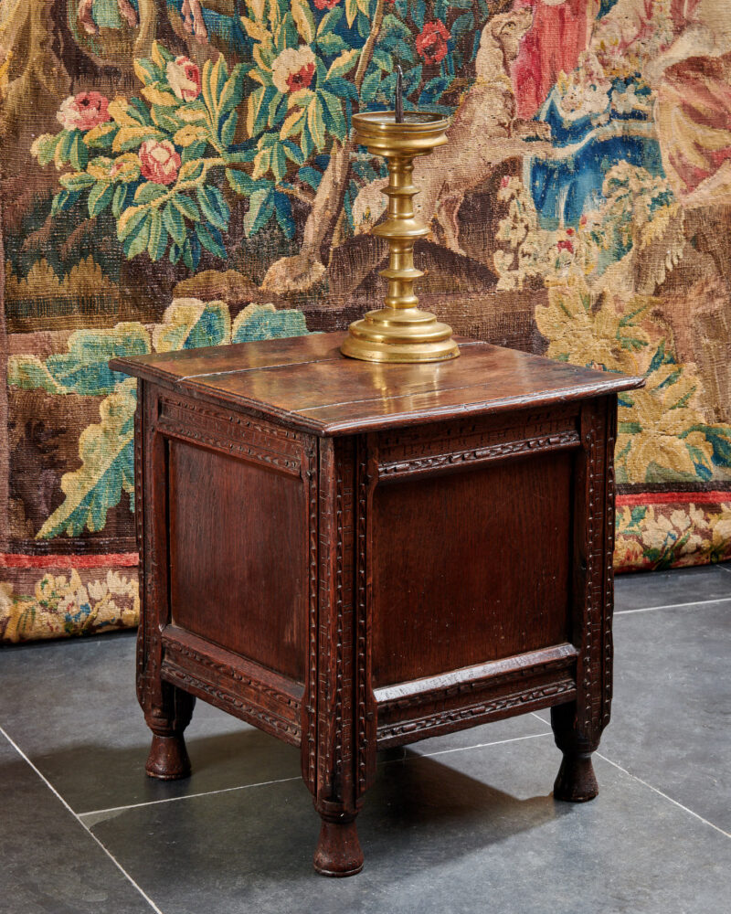 Elizabeth I oak close stool