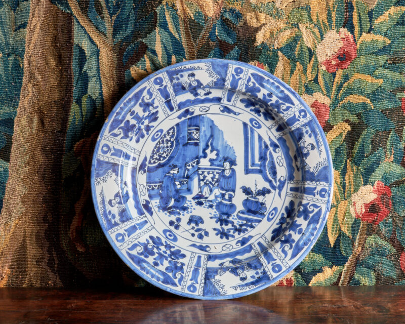 17th century Chinese Kraak Delft charger