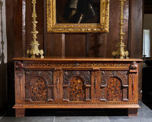 Elizabeth I oak inlaid chest