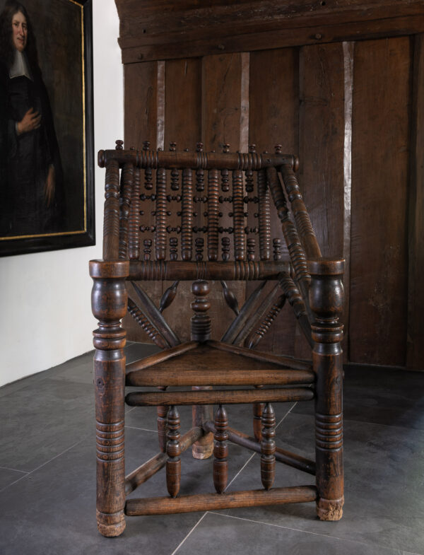 16th century turner's chair