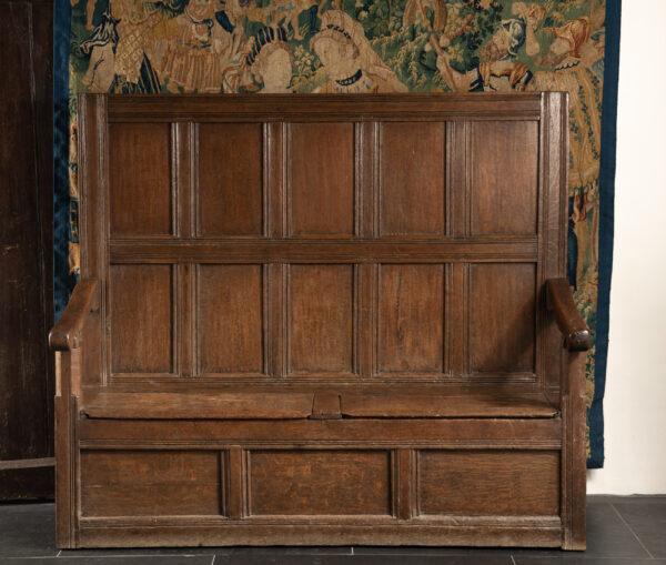 Elizabeth I oak settle