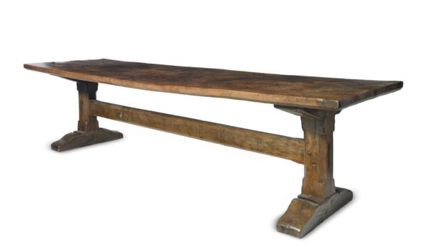 Elizabeth I oak and elm trestle table