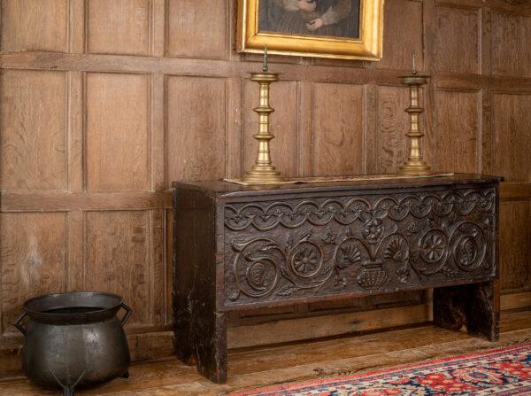 Elizabeth I oak boarded chest